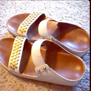 FitFlop White Off Color Sandals w/golden accents